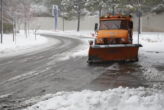 Πώς να οδηγήσετε με ασφάλεια στα χιόνια και τον παγετό - τι να προσέξετε