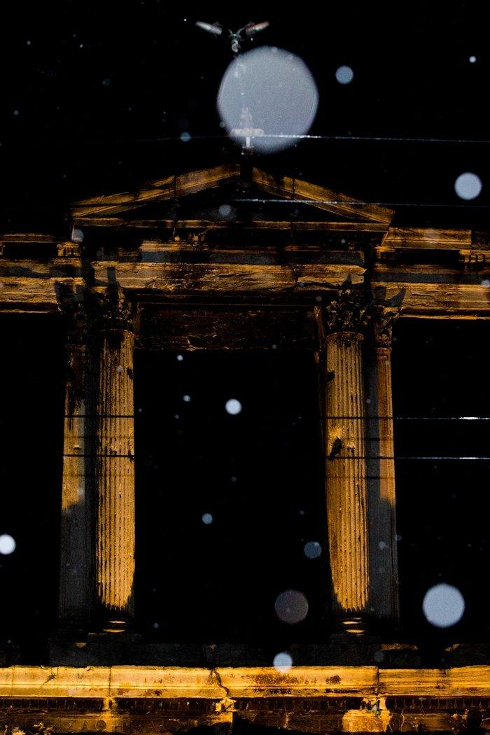 Η χιονισμένη νυχτερινή Αθήνα σε 24 φωτογραφίες