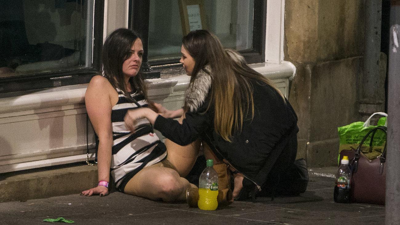 Пьяные девушки на улицах фото, андроид видео жесткий трах смотреть видео