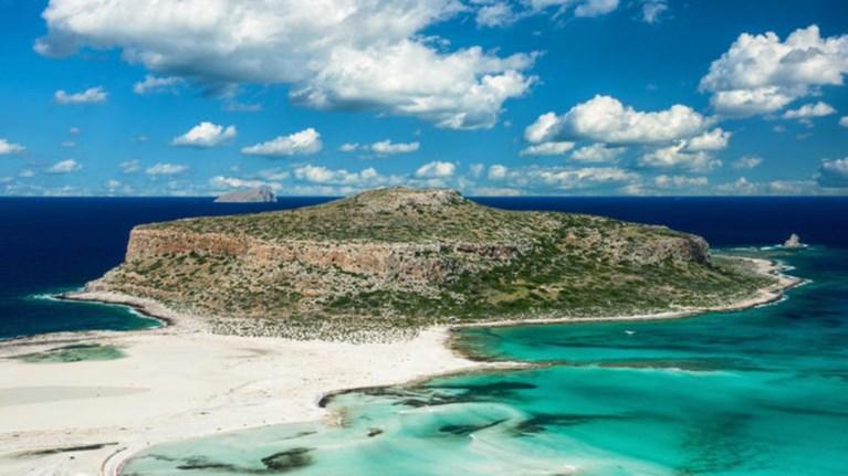 Ελληνικό νησί στους 10 πιο οικονομικούς προορισμούς του Forbes