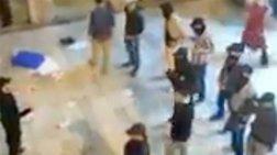 Ριζοσπάστες του Ισλάμ εισέβαλαν σε πανεπιστήμιο με ρόπαλα (ΒΙΝΤΕΟ)