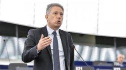 xrusogonos-politika-kai-oxi-proswpika-ta-themata-me-ton-tsipra