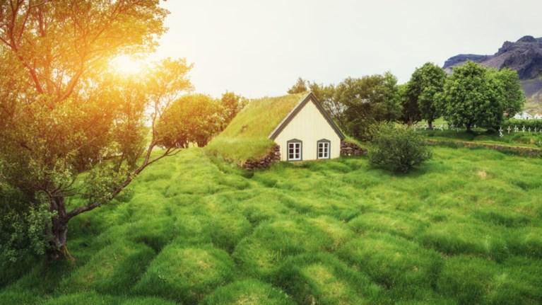 Το μικρό χωριό της Ισλανδίας που μοιάζει με ψευδαίσθηση