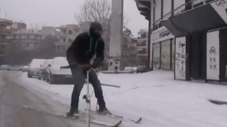 thessaloniki-ekane-ski-gurw-apo-to-gipedo-tis-toumpas