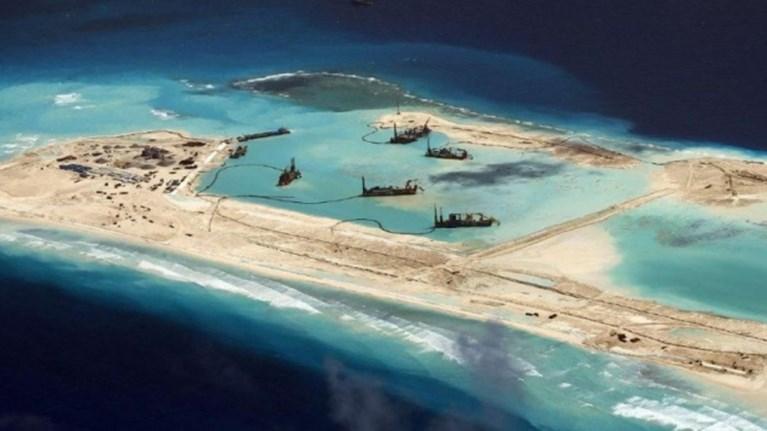 Σκληραίνει τη στάση της έναντι της Κίνας η Αμερική