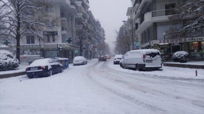 Χιόνι μέσα στα Ιωάννινα.