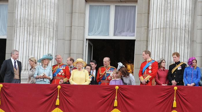 Γιατί κανείς δεν γνωρίζει το επώνυμο της βασιλικής οικογένειας; - εικόνα 4