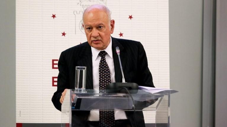 Υπουργός προαναγγέλλει για πρώτη φορά μείωση του αφορολόγητου