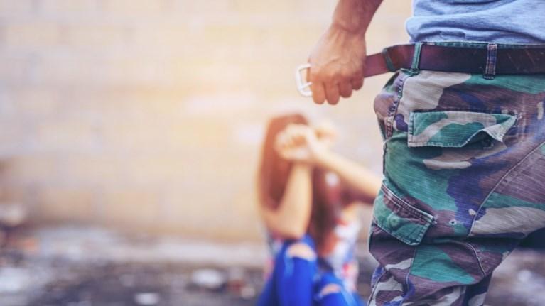Σοκ στη Σουηδία: Μετέδιδαν τον βιασμό γυναίκας μέσω Facebook
