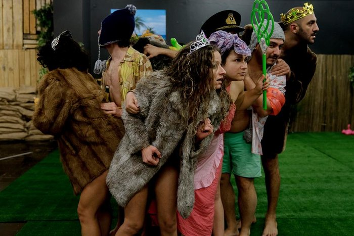 «Το  νησί των σκλάβων»: Ένα υπέροχο έργο από το Θέατρο Κωφών - εικόνα 3