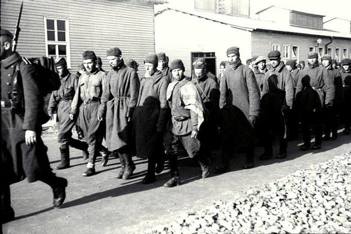 Η νέα «φουρνιά» των κρατουμένων οδηγείται στα κολαστήρια του Μαουτχάουζεν