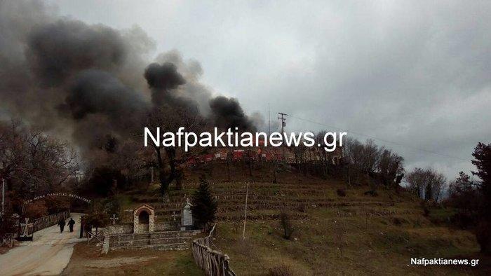 Μεγάλες καταστροφές από τη φωτιά στην Μονή Βαρνάκοβας