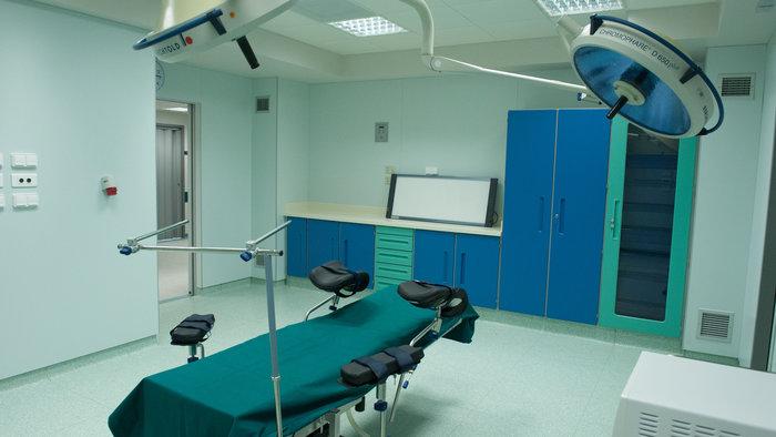 Μια από τις τρεις χειρουργικές αίθουσες