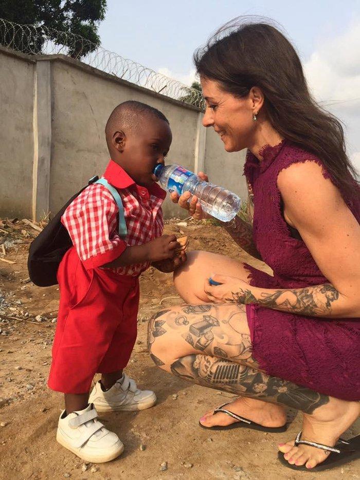 Πρώτη μέρα στο σχολείο για το αγόρι που το εγκατέλειψαν επειδή ήταν «μάγος» - εικόνα 3
