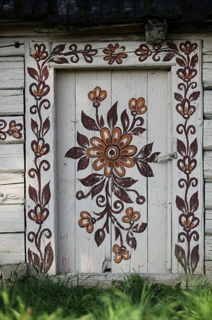 Ζαλίπιε: Ενα χωριό ζωγραφισμένο κυριολεκτικά με το χέρι - εικόνα 3