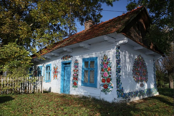 Ζαλίπιε: Ενα χωριό ζωγραφισμένο κυριολεκτικά με το χέρι - εικόνα 5