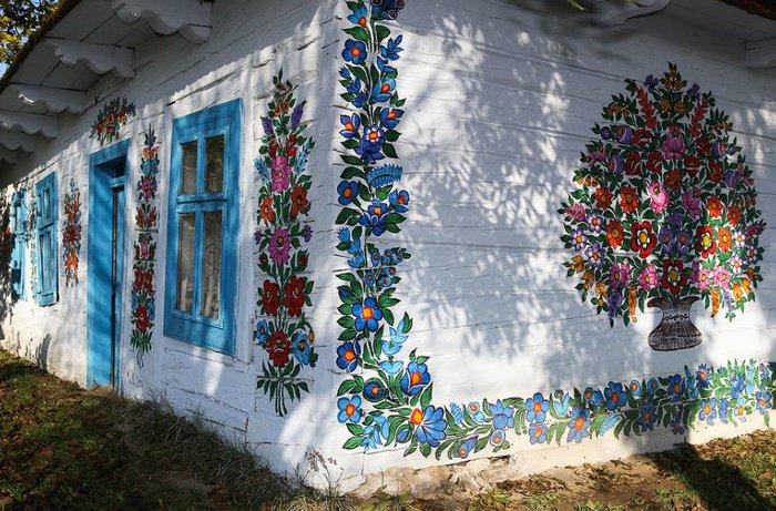 Ζαλίπιε: Ενα χωριό ζωγραφισμένο κυριολεκτικά με το χέρι - εικόνα 7