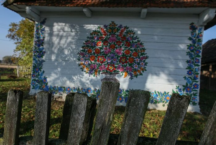 Ζαλίπιε: Ενα χωριό ζωγραφισμένο κυριολεκτικά με το χέρι - εικόνα 10