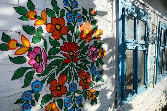 Ζαλίπιε: Ενα χωριό ζωγραφισμένο κυριολεκτικά με το χέρι - εικόνα 12