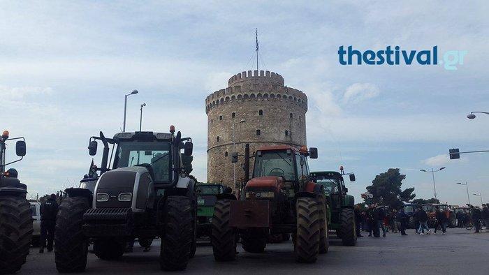 «Απόβαση» των τρακτέρ στο κέντρο της Θεσσαλονίκης - εικόνα 2