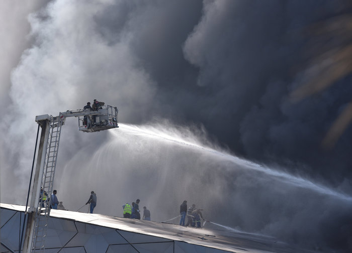 Φωτιά κατέστρεψε την καινούργια όπερα του Κουβέιτ - εικόνα 2