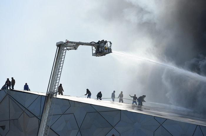 Φωτιά κατέστρεψε την καινούργια όπερα του Κουβέιτ - εικόνα 6