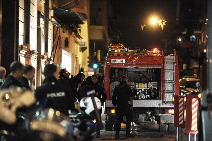 Επίθεση με γκαζάκια σε δικηγορικά γραφεία στην οδό Σόλωνος - εικόνα 2