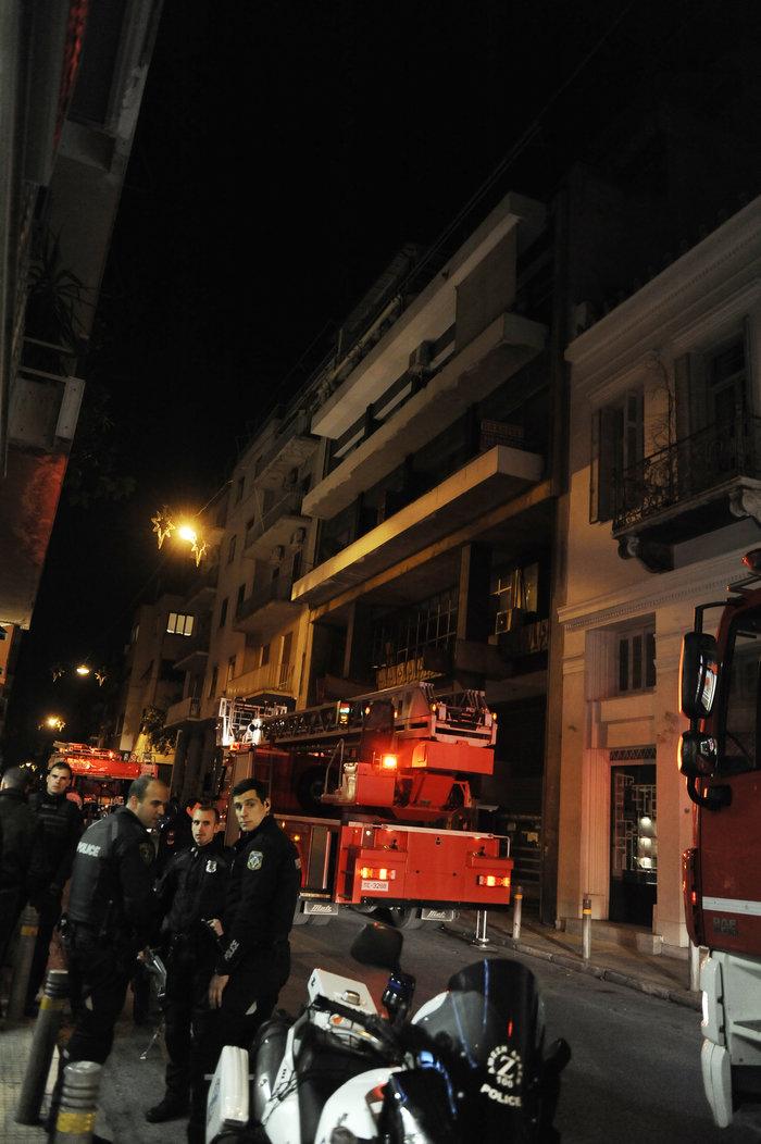 Επίθεση με γκαζάκια σε δικηγορικά γραφεία στην οδό Σόλωνος - εικόνα 3