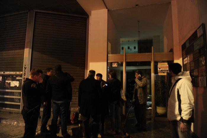 Επίθεση με γκαζάκια σε δικηγορικά γραφεία στην οδό Σόλωνος - εικόνα 4