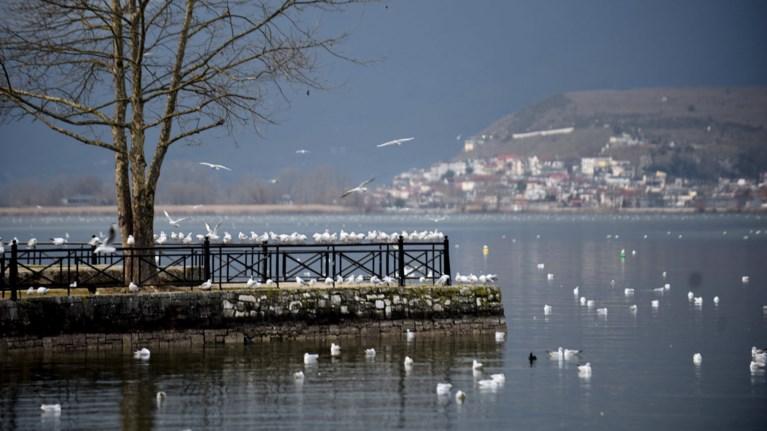 Mαγευτικές εικόνες από την πανέμορφη λίμνη Ιωαννίνων