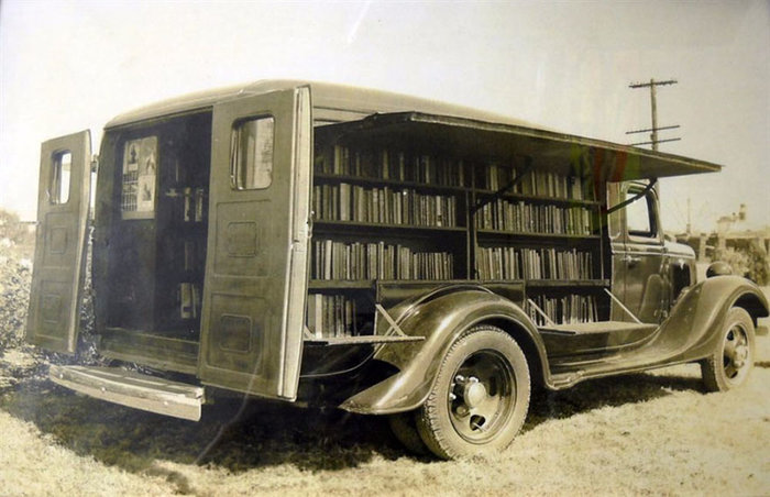 Οταν οι πρωτοποριακές βιβλιοθήκες του παρελθόντος είχαν ρόδες [Εικόνες]