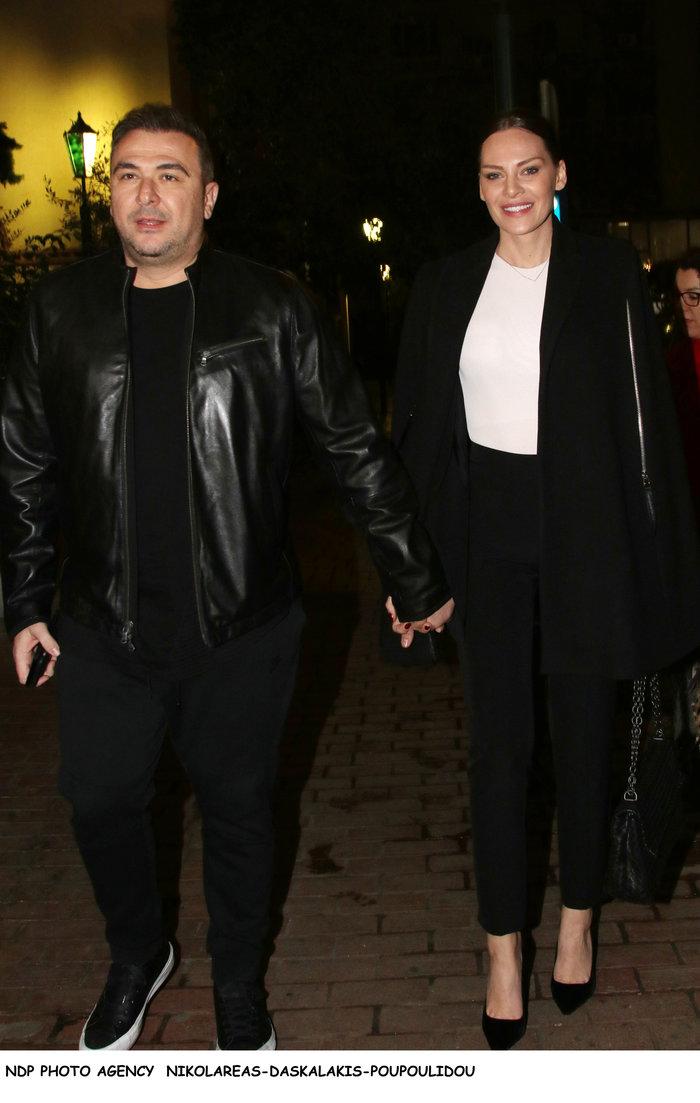 Η πάντα κομψή Υβόννη Μπόσνιακ και ο Αντώνης Ρέμος σε βραδινή έξοδο