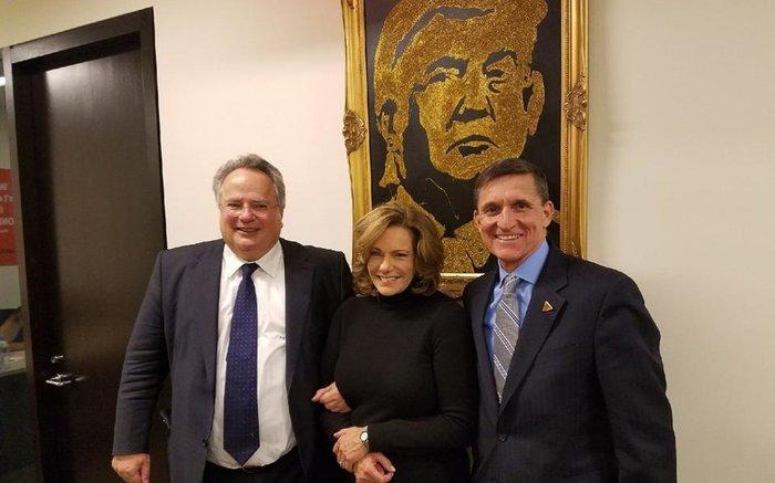 Ο Νίκος Κοτζιάς με τον σύμβουλο ασφαλείας του Ντ. Τραμπ