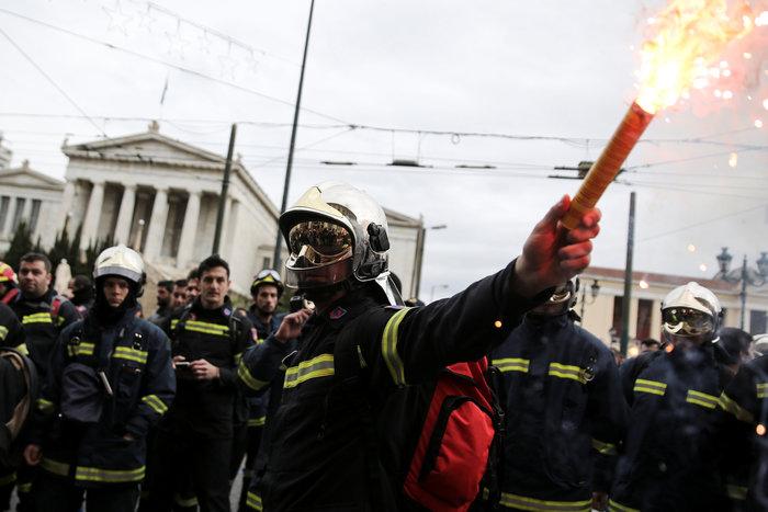 Εκρηκτικό κλίμα στους ένστολους - Τι ζητούν από την κυβέρνηση - εικόνα 4