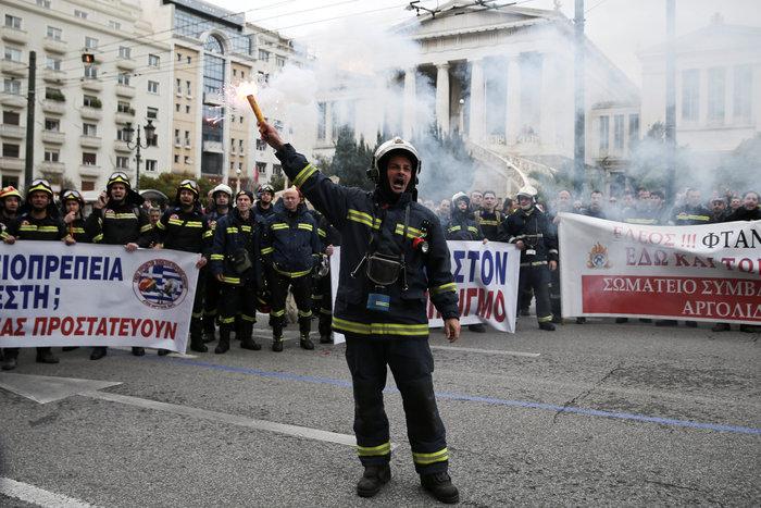 Εκρηκτικό κλίμα στους ένστολους - Τι ζητούν από την κυβέρνηση - εικόνα 6