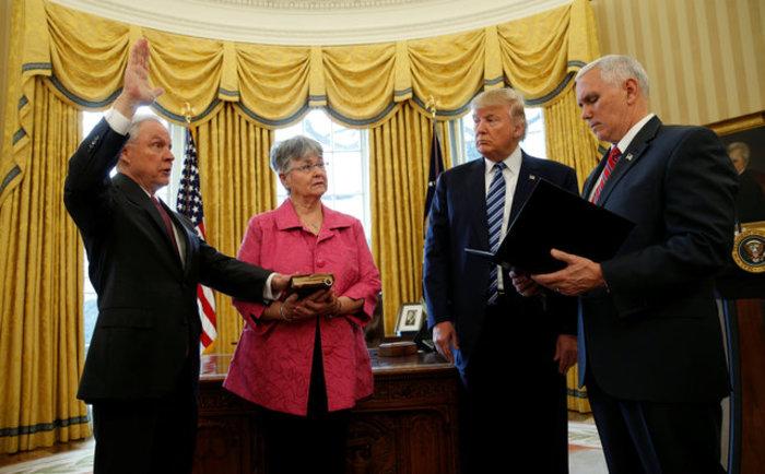 Τζεφ Σέσιονς: Ο εξαιρετικά αμφιλεγόμενος νέος υπουργός Δικαιοσύνης των ΗΠΑ