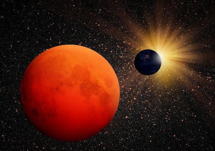 Έκλειψη, πανσέληνος & ένας κομήτης, όλα απόψε: Έρχεται το τέλος του κόσμου; - εικόνα 4