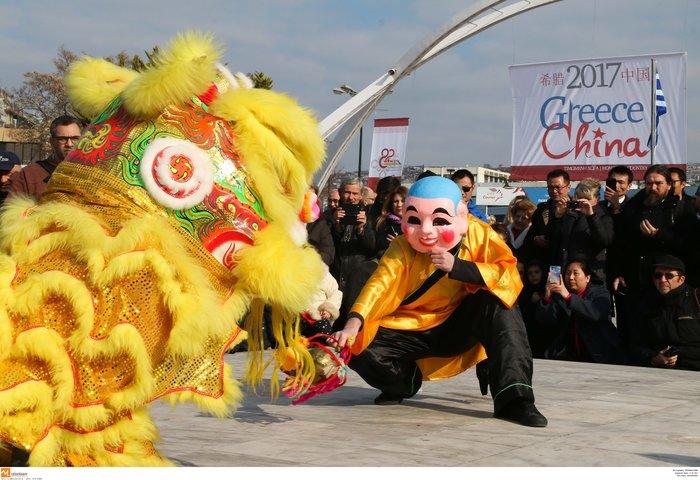 Ψινάκης & Μπουτάρης γιορτάζουν την Κινέζικη Πρωτοχρονιά - φωτό - - εικόνα 5