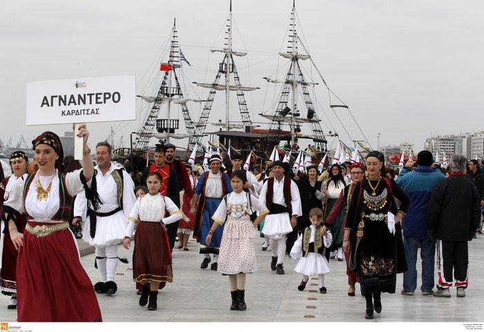 Θεσσαλονίκη: «Βροντάει» η πόλη από τους κωδωνοφόρους - εικόνα 9