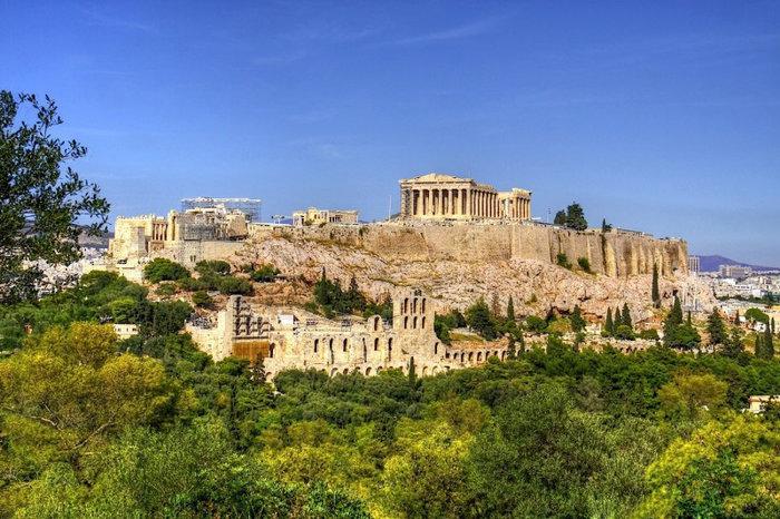 Αποψη της Ακρόπολης απο το άνδηρο του Πικιώνη ως εναλλακτικός χώρος της επίδειξης