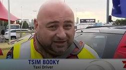"""Έλληνας ταξιτζής σε συνέντευξη έδωσε όνομα """"Tsim Booky"""""""