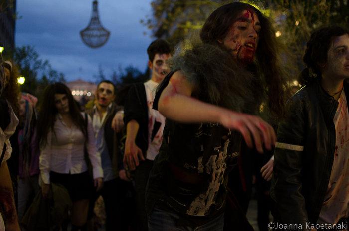 Τα ζόμπι δίνουν «ραντεβού» στο κέντρο της Αθήνας - εικόνα 2