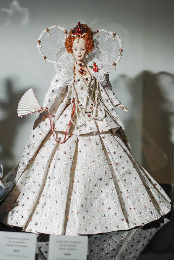 Η νύφη Κέιτ και ο γαμπρός Γουίλιαμ έγιναν κούκλες Barbie [Εικόνες] - εικόνα 10