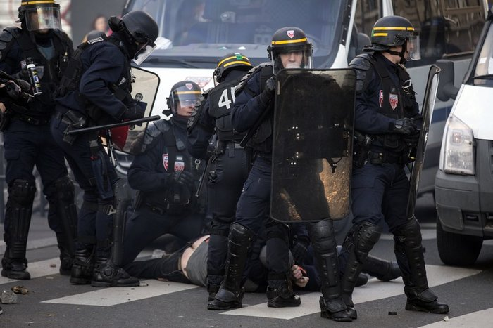 Μεγάλες διαδηλώσεις κατά της αστυνομικής βίας στη Γαλλία - εικόνα 4