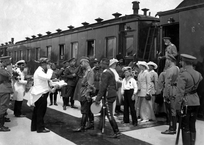 Η ιστορία της πτώσης του Οίκου των Ρομανώφ, μια συναρπαστική ταινία - εικόνα 2