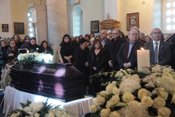 Το τελευταίο αντίο στον Δημήτρη Μυταρά - Δημοσία δαπάνη η κηδεία του - εικόνα 3