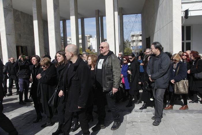 Το τελευταίο αντίο στον Δημήτρη Μυταρά - Δημοσία δαπάνη η κηδεία του - εικόνα 11