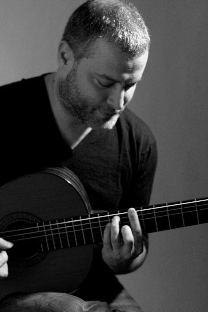 Nuevo Guitar: Ο Παναγιώτης Μάργαρης με την κιθάρα του για 8 Σάββατα στο IMK