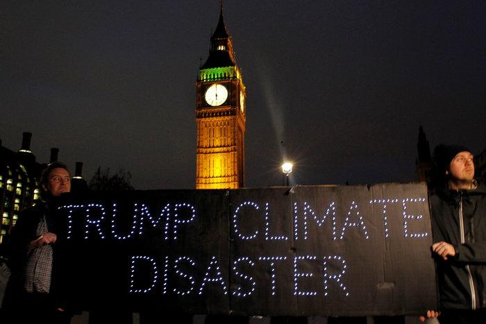 Χιλιάδες Λονδρέζοι διαδηλώνουν κατά της επίσκεψης Τραμπ στη χώρα