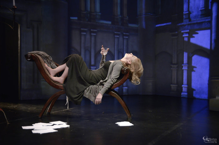 Από την παράσταση ...και Ιουλιέτα
